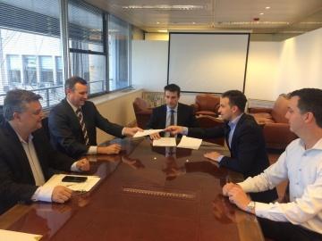 5 de noviembre de 2018 - Firma de Acuerdo de Aceleradora Litoral con MAV